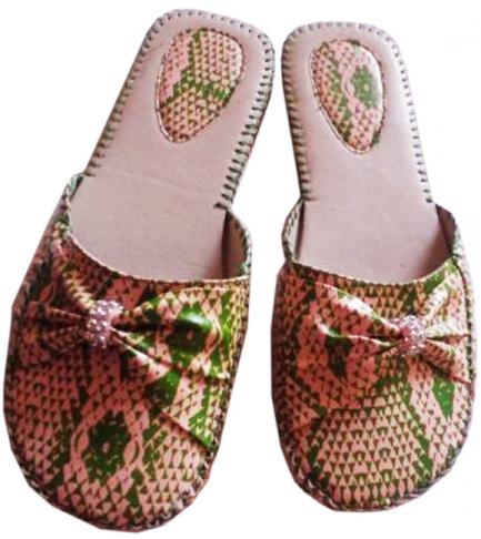 AKA_Snakeskin_Design_Slippers.jpg